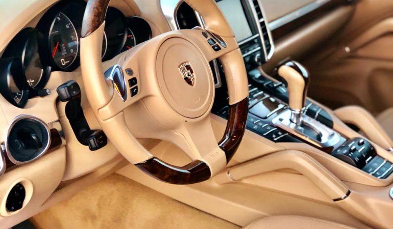 Porsche Cayenne 2011 full